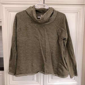 O'Neill women's loose fit, slight crop sweatshirt